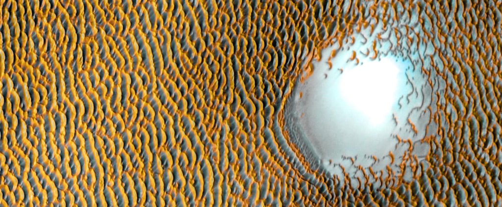 """NASA Captures Picture of a """"Sea of Dunes"""" on Mars"""