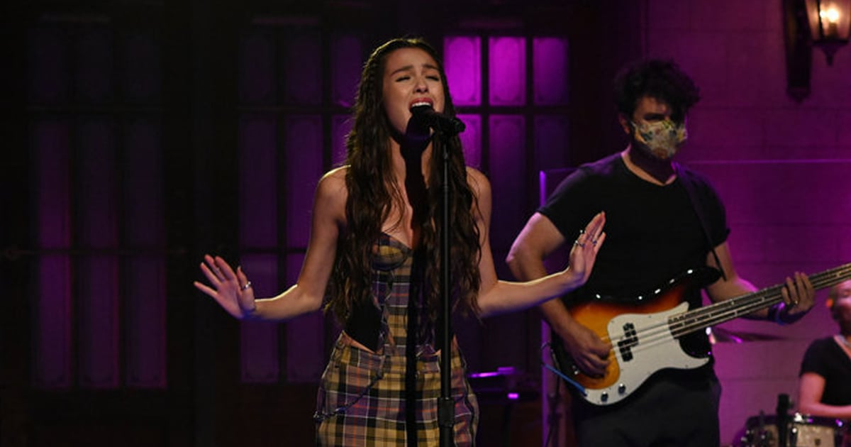 """Olivia Rodrigo Gives Us Early '00s Avril Lavigne Energy With Her Plaid """"Good 4 U"""" Outfit.jpg"""