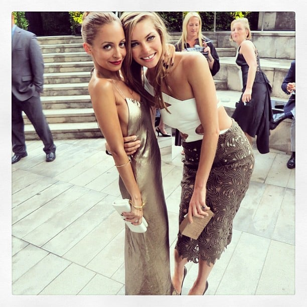 Nicole Richie and Jessica Hart made a hot pair at the CFDA Awards — and Jessica even bent down to pose with her short pal! Source: Instagram user nicolerichie