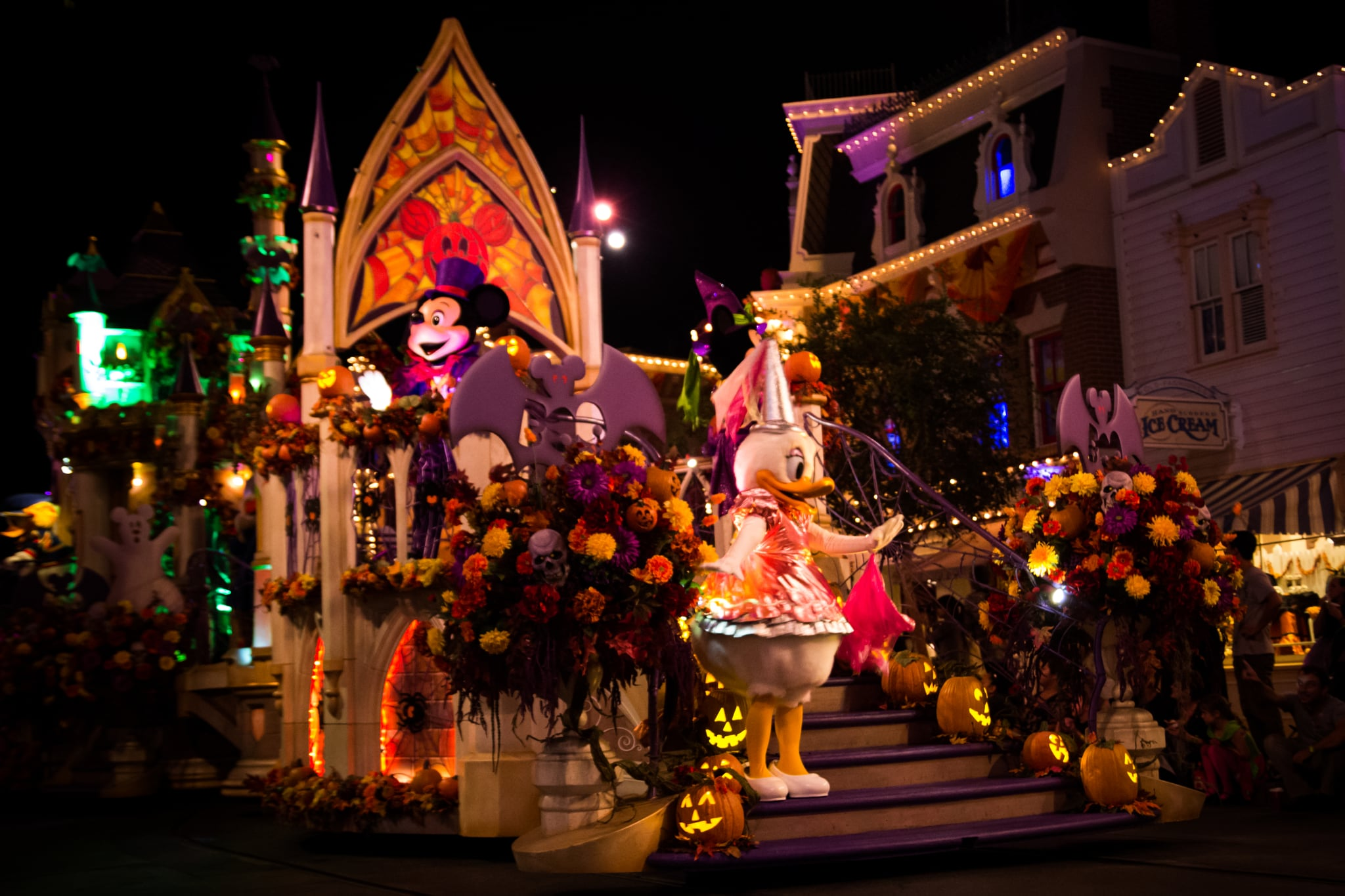 New Parade in Mickey's Halloween Party at Disneyland | POPSUGAR ...