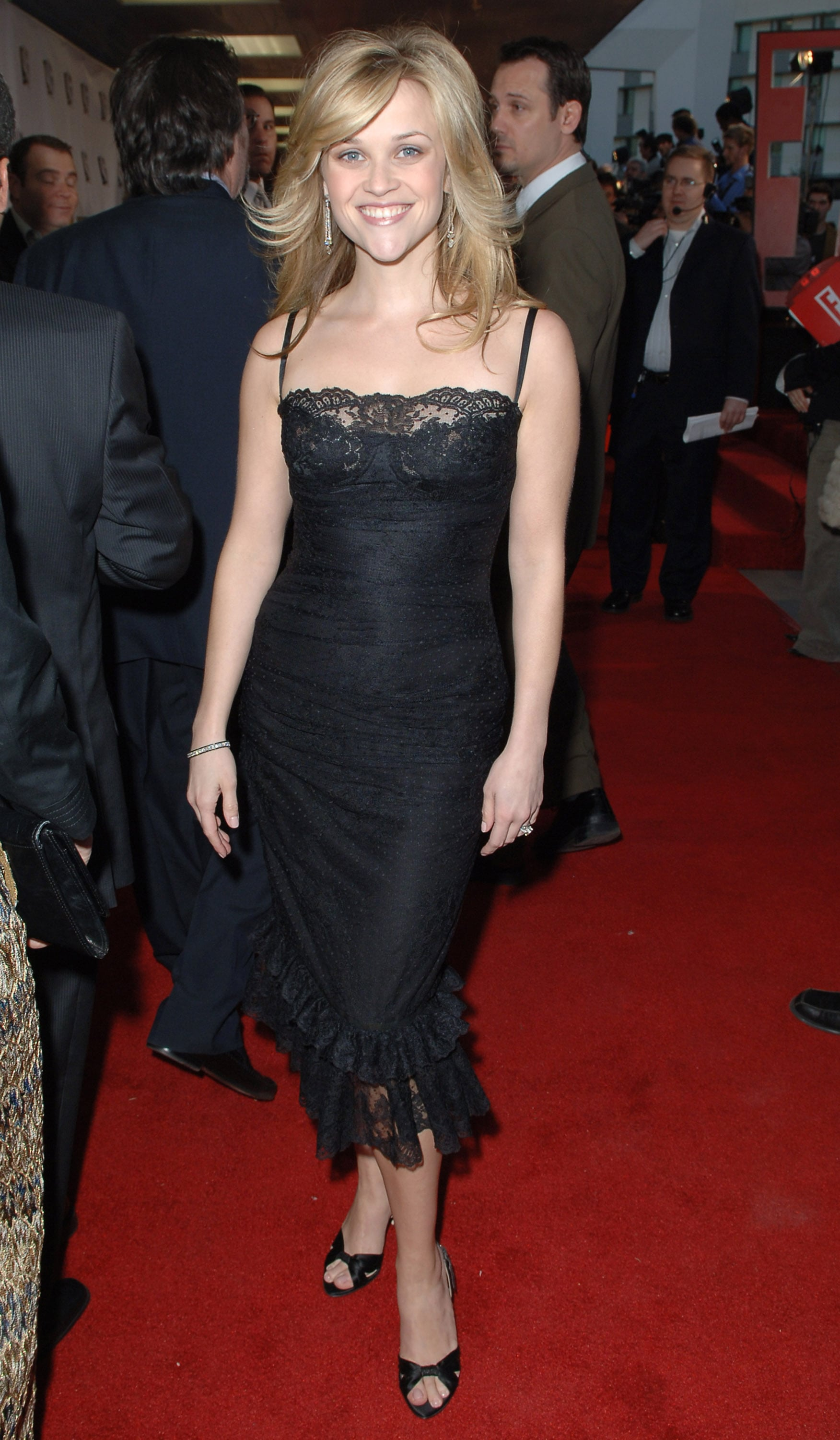Reese Witherspoon in Black Lace Dress at 2006 Critics' Choice Awards