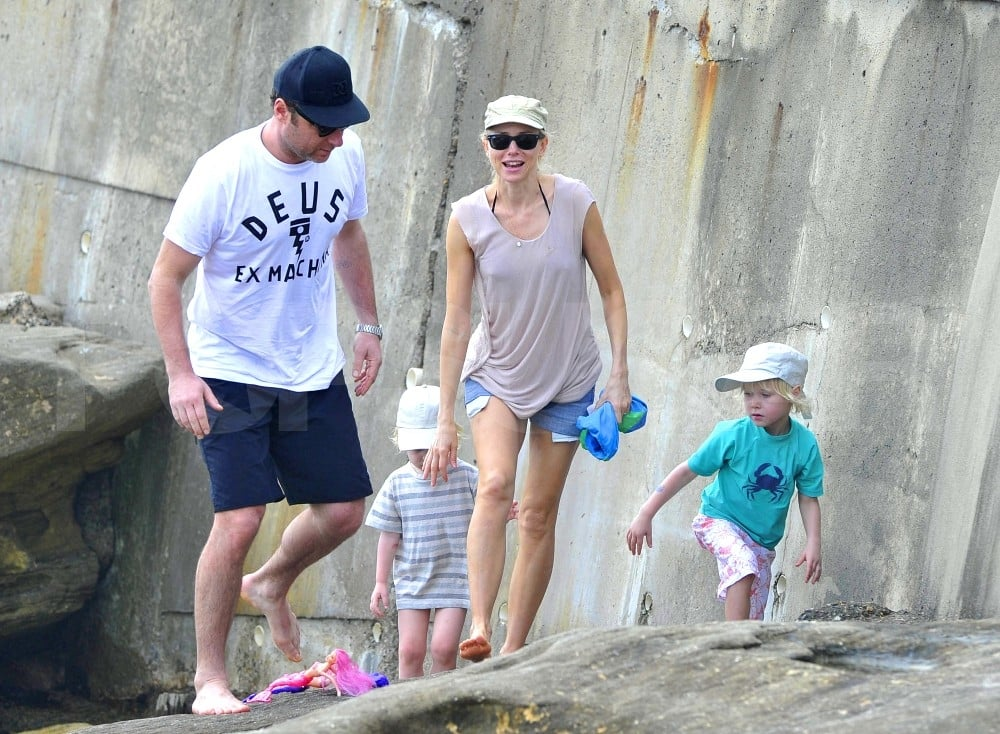Naomi Watts and Liev Schreiber took their boys Sasha and Samuel Schreiber to the beach.