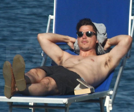 Slide Picture of Josh Hartnett Shirtless in Italy