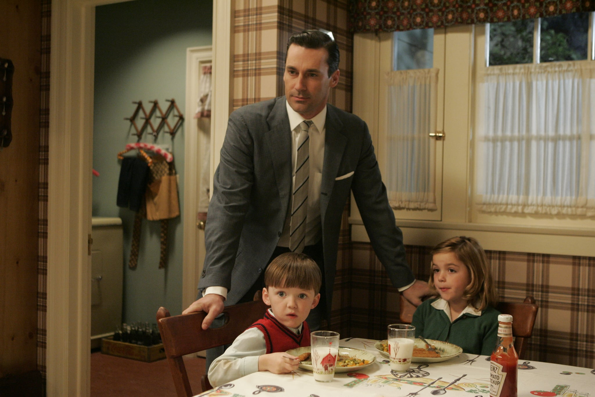 Back in season one, everything is hunky-dory between Don and his kids.