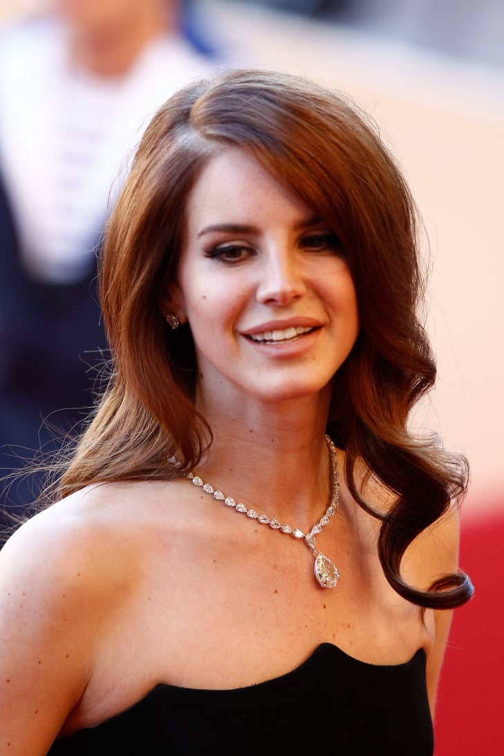 Lana Del Rey paired a diamond pendant necklace with her ...