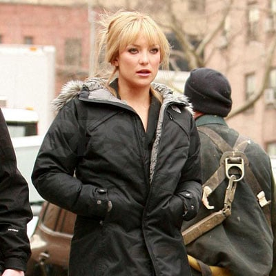 Kate Hudson on the Set of Bride Wars 2008-03-27 21:22:22