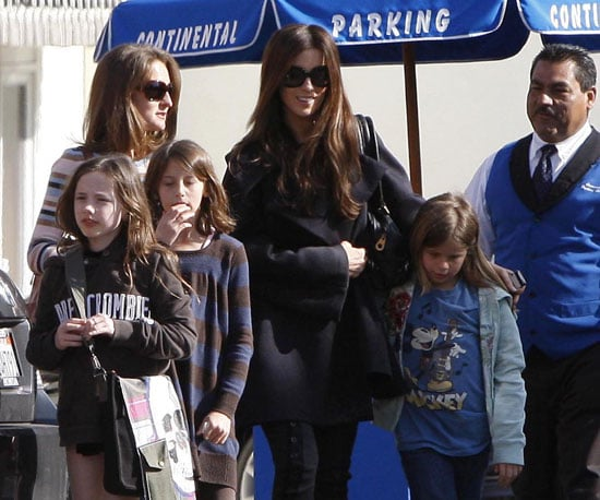 Photo of Kate Beckinsale Out in LA with her Daughter Lily and Friends