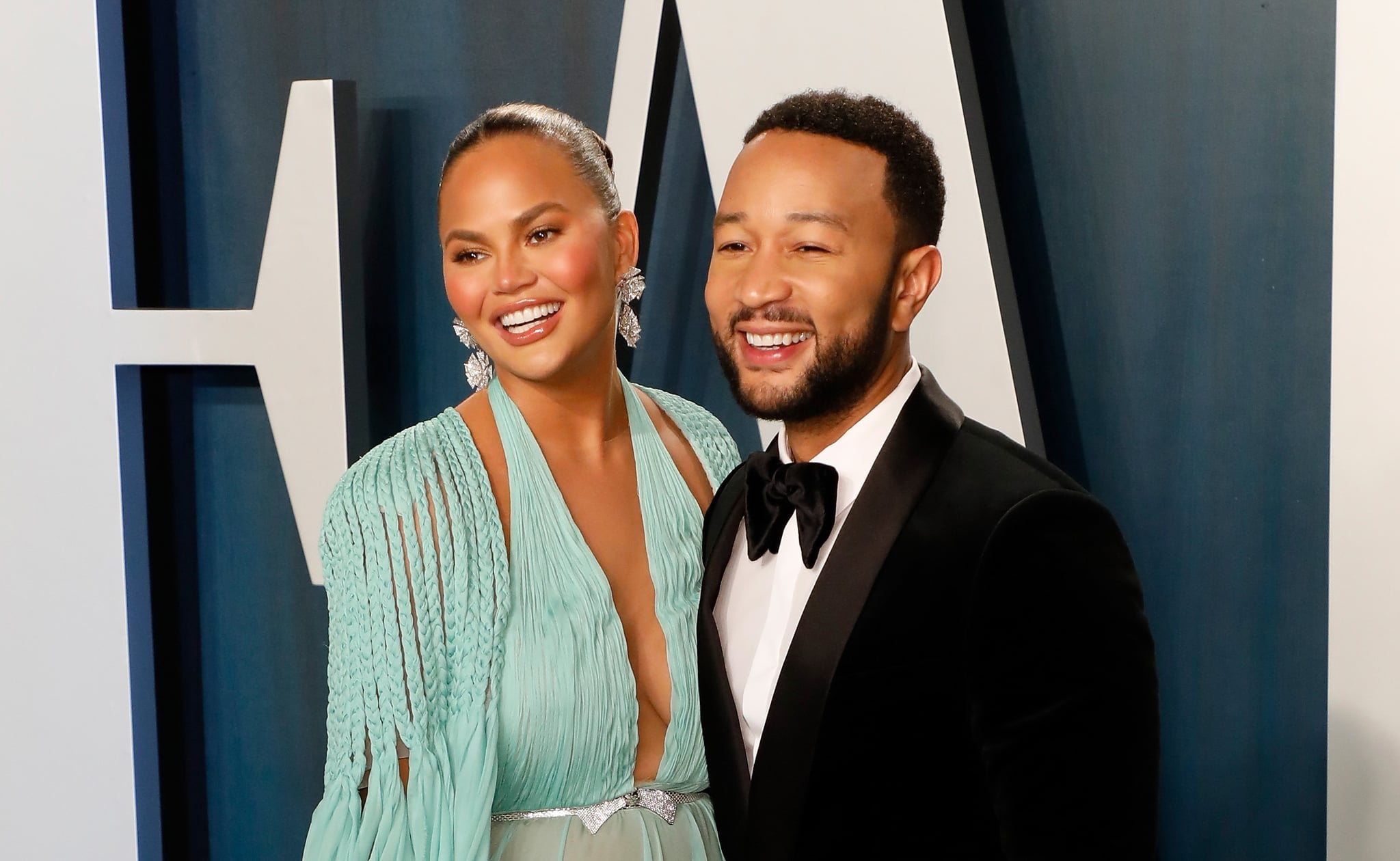 BEVERLY HILLS, CALIFORNIA - FEBRUARY 09:  (L-R) Chrissy Teigen and John Legend attend the 2020 Vanity Fair Oscar Party at Wallis Annenberg Centre for the Performing Arts on February 09, 2020 in Beverly Hills, California. (Photo by Taylor Hill/FilmMagic,)