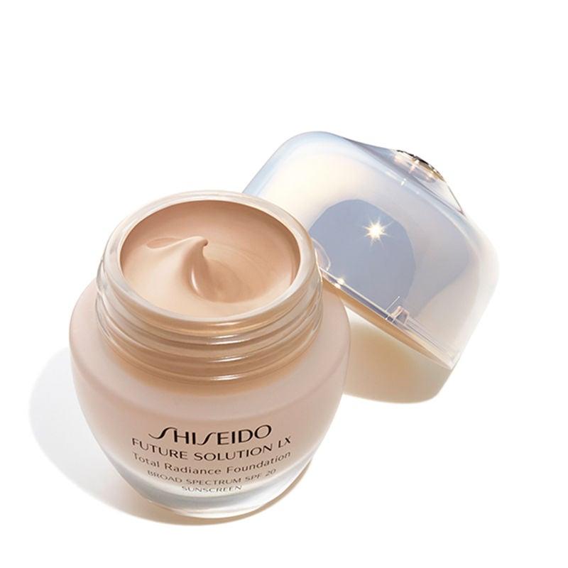 Shiseido Future Solution XL Total Radiance Foundation SPF 20