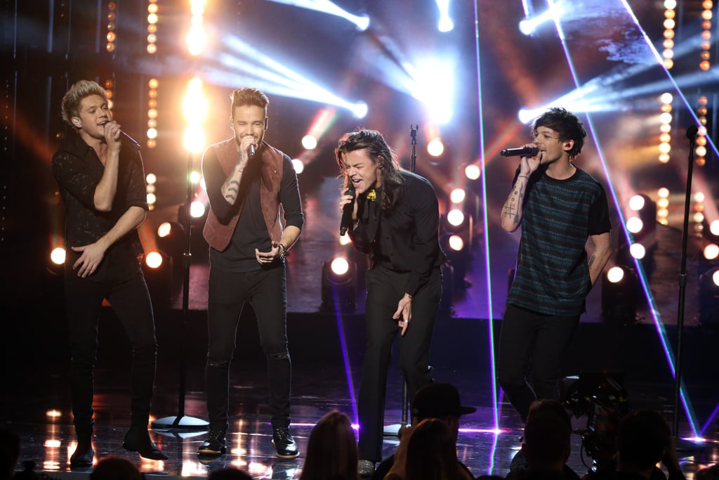 One Direction Performing at the American Music Awards in 2015