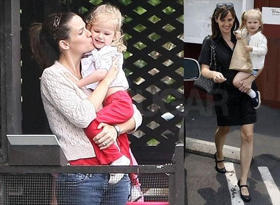 Photos of Jennifer Garner and Violet Affleck Feeding Ducks
