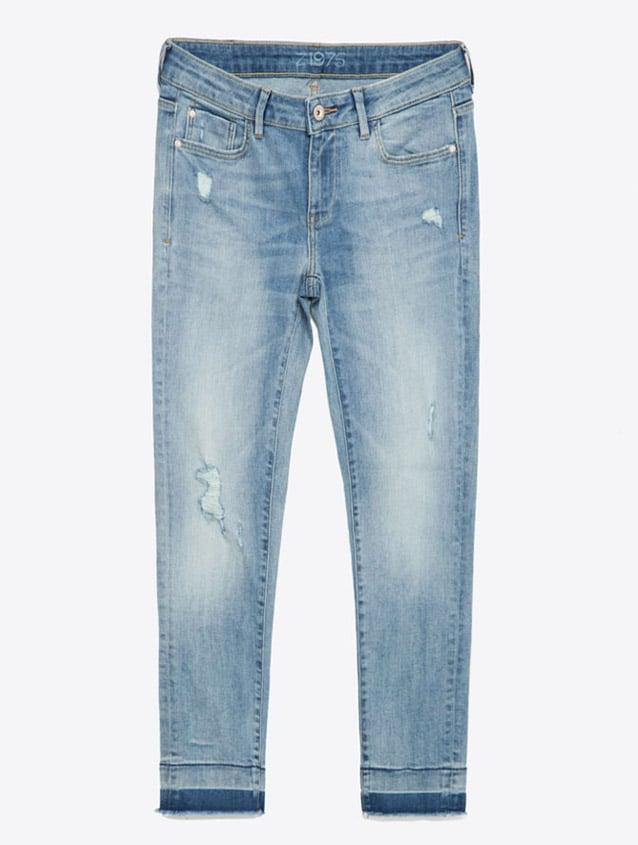 Zara Mid-Rise Frayed Hem Denim Jean ($40)