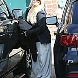Jessica Simpson hopped in her car.
