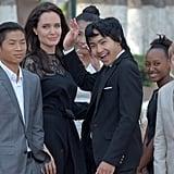 أنجلينا جولي برفقة أولادها خلال العرض الأول لفيلمها ا