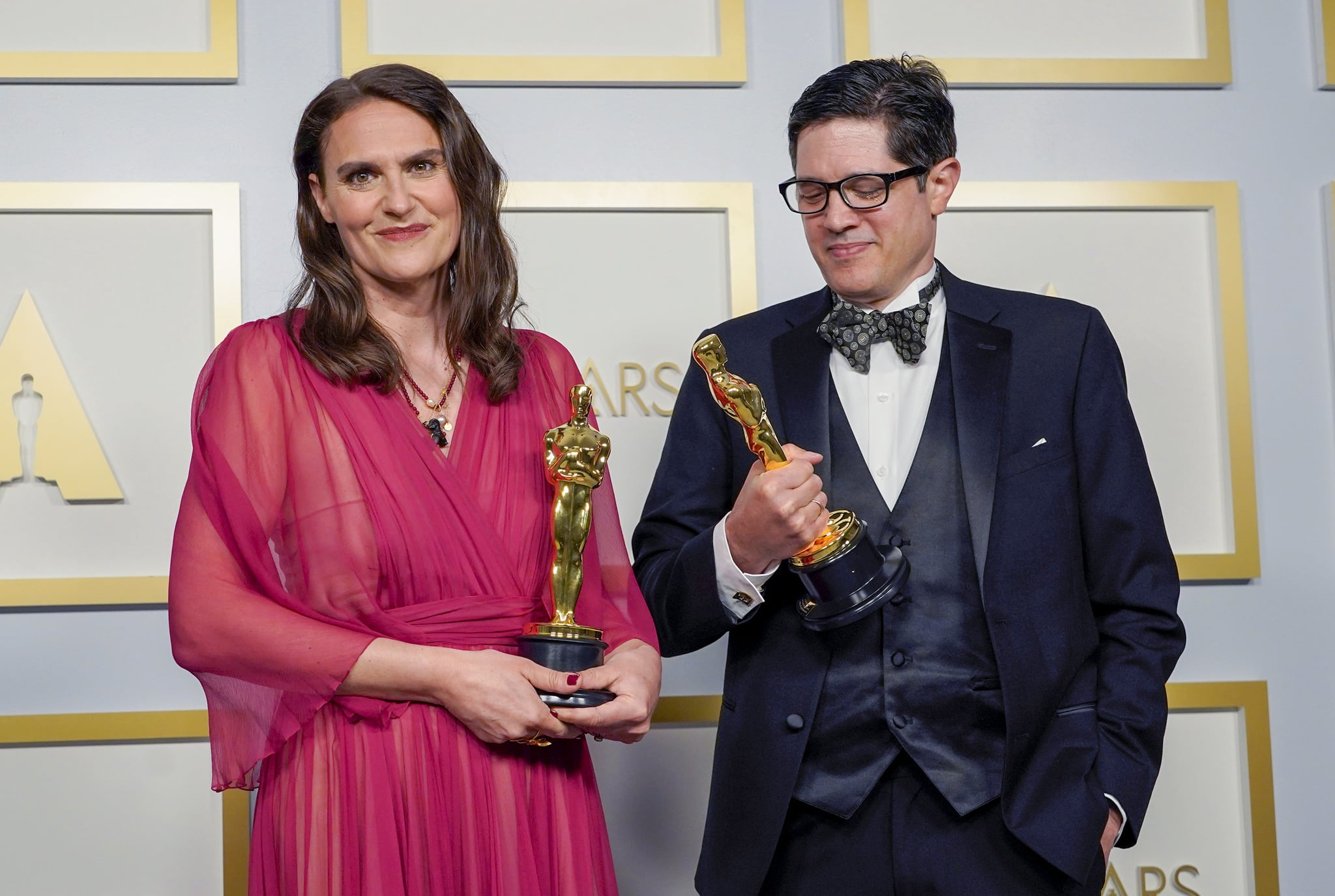 Alice Doyard and Anthony Giacchino at the 2021 Oscars | What an Evening!  See the Very Best Photos From This Year's Oscars Right Here | POPSUGAR  Celebrity Photo 21