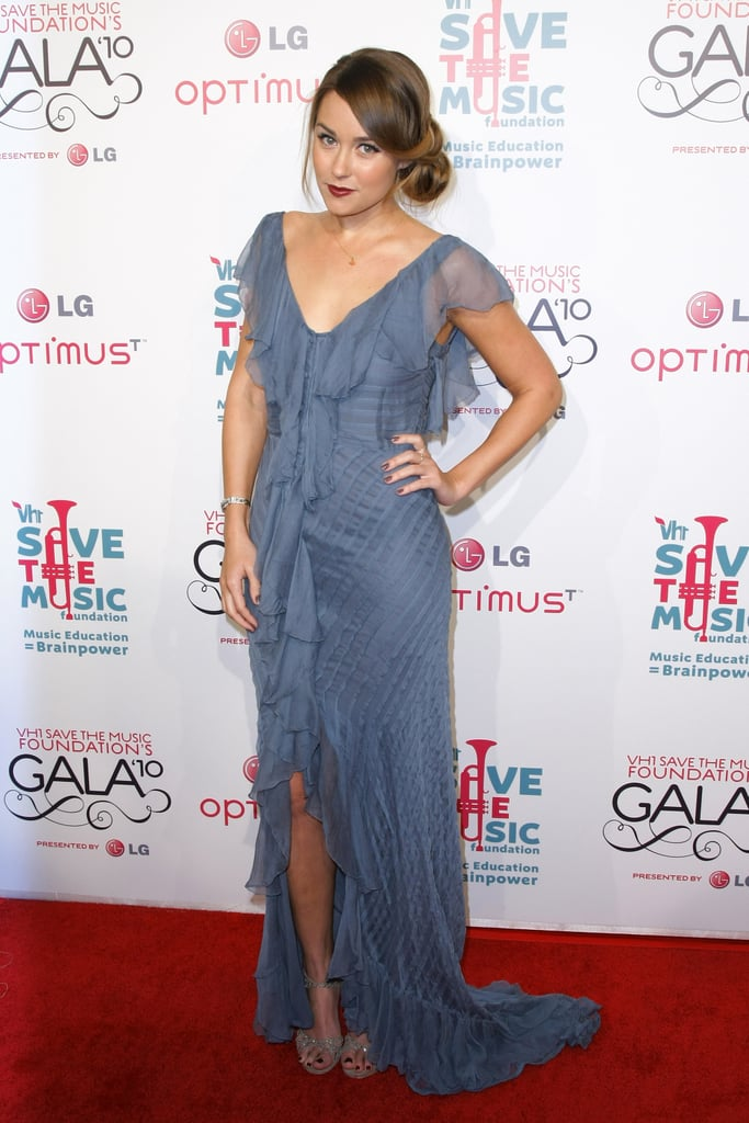 She loves her high street fashion too! Working a Topshop floor length dress at the VH1 Save The Music Foundation Gala in November 2010.