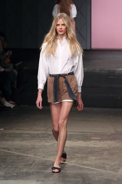 Photos of Twenty8Twelve Spring 2011 at London Fashion Week 2010-09-19 16:27:24