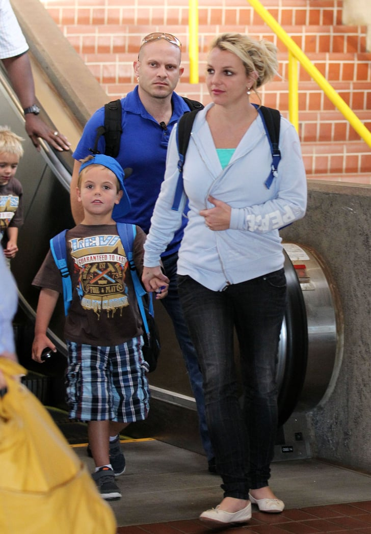 Britney Spears Arrived In Maui With Her Boys Sean Preston