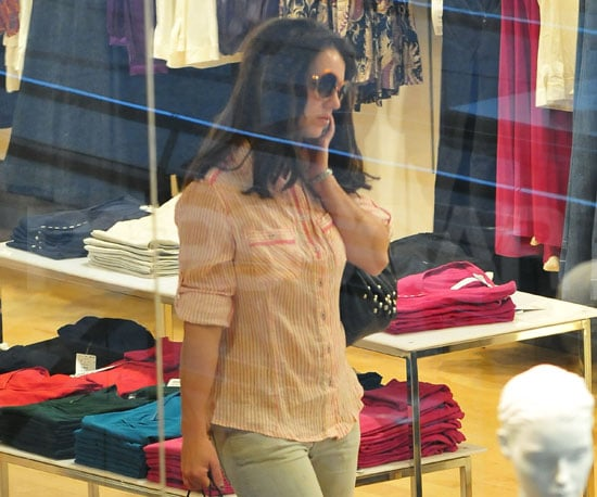 Photo Slide of Britney Spears Shopping in Berlin