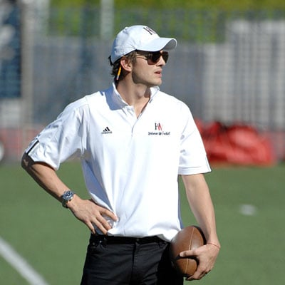 Ashton Kutcher Coaches Football 2008-09-27 11:30:00