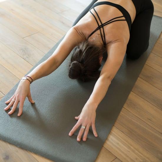 تمارين تمطيط للمبتدئات في المنزل للتخلص من ألم أسفل الظهر