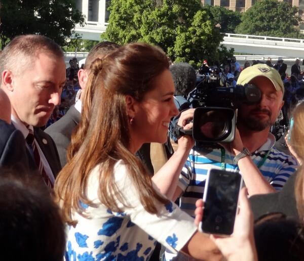 Kate greeted fans in Brisbane, Australia. Source: Twitter user auscanucksarah