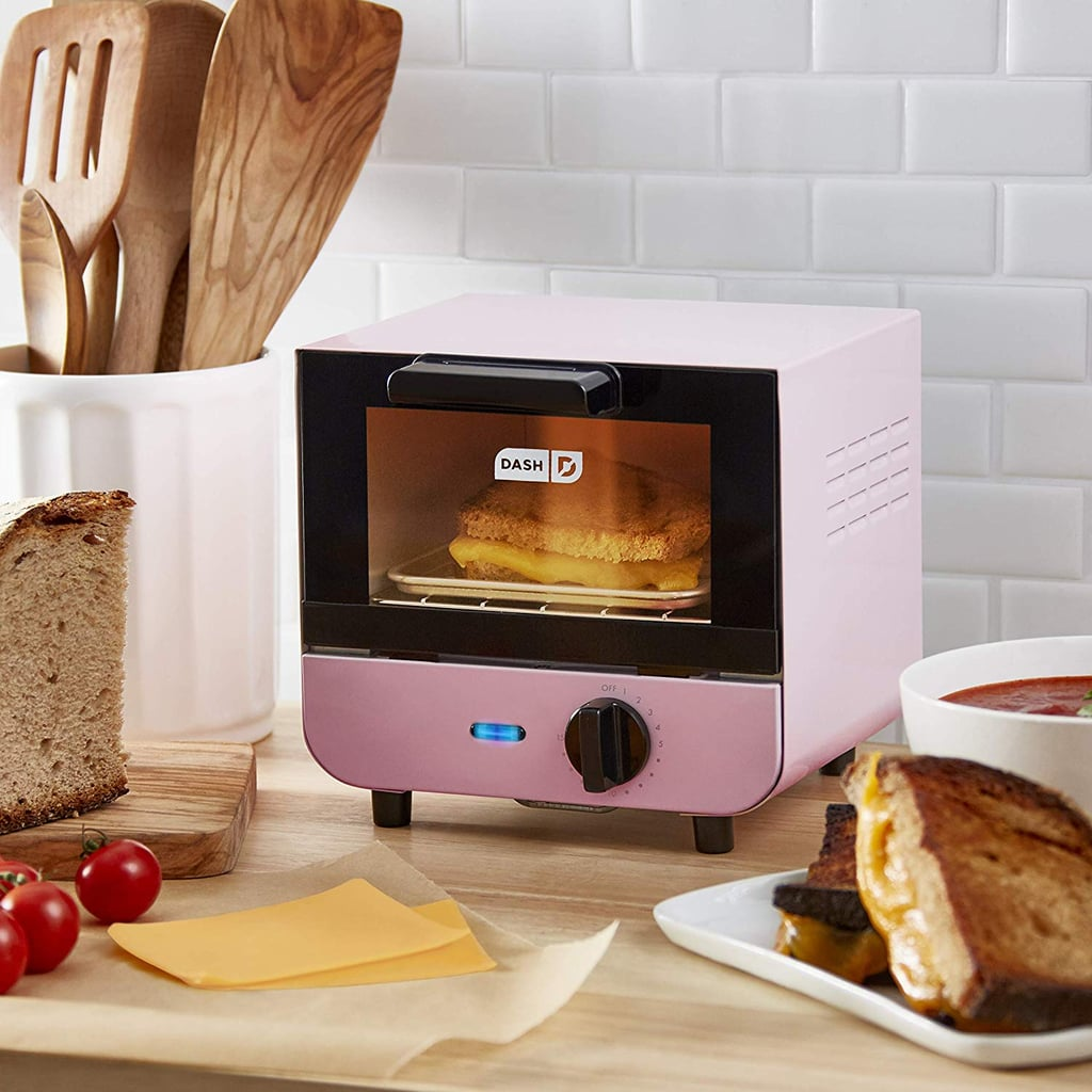 This Retro Mini Toaster Oven Is Perfect For Small Kitchens