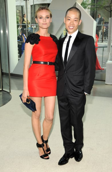 Wearing his red-hot creation, Diane posed with designer Jason Wu at the 2009 CFDA Awards.