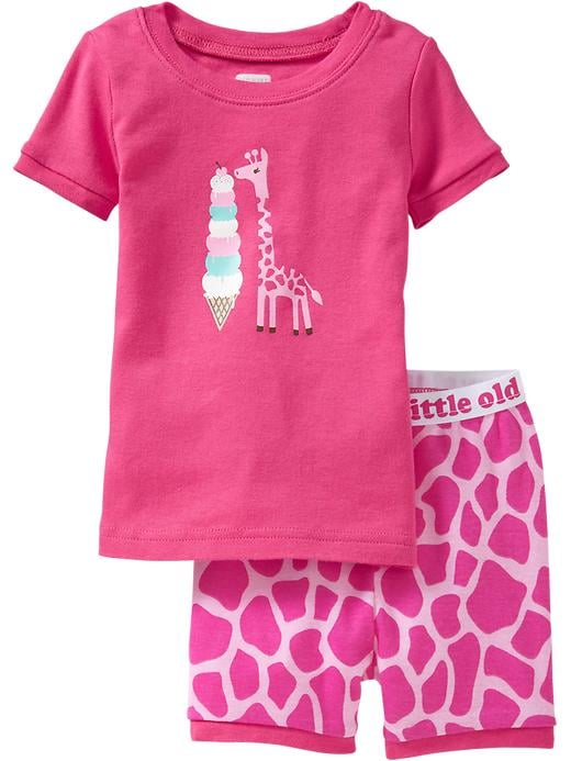 Pink and perfect, this  giraffe set ($15) is just what your little girl needs to stay cool this Summer.