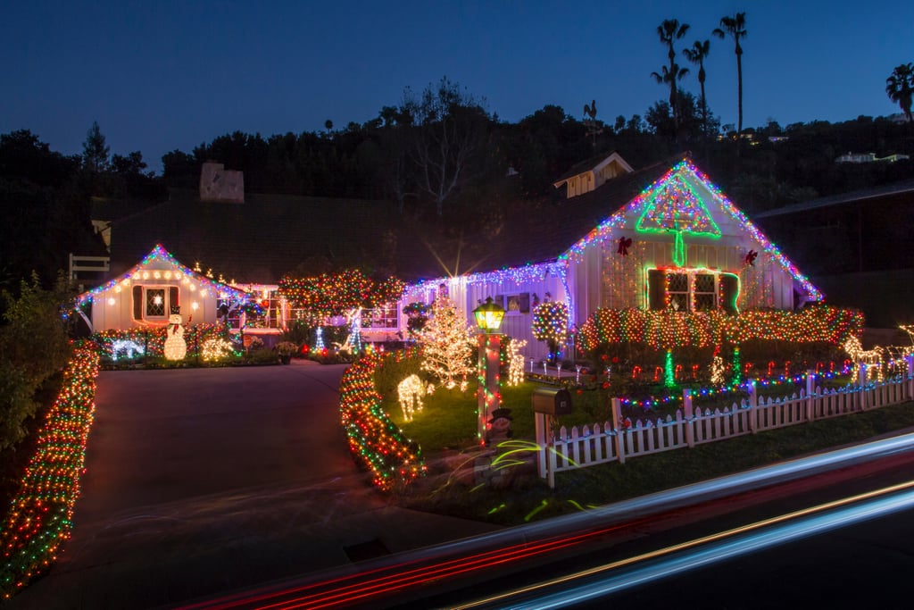 Putting Up Christmas Lights During Coronavirus | Photos