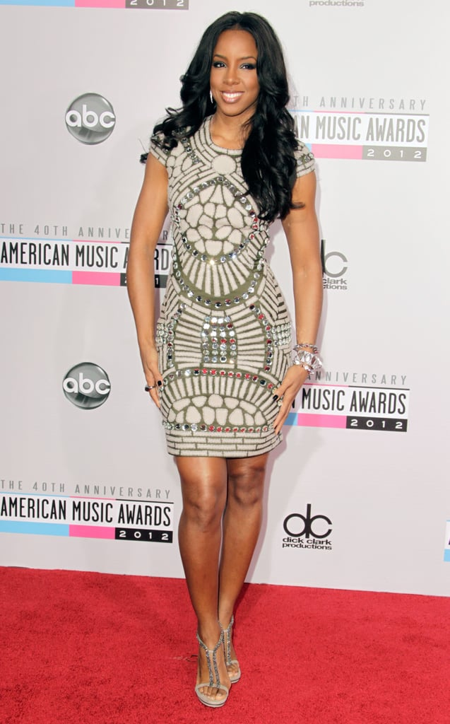 Look closely. Those printed details on Kelly Rowland's