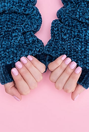 5 Things to Know About Dip Powder Manicures