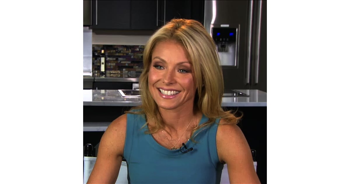 Kelly Ripa On Facebook And Iphone Apps  Popsugar Celebrity-3046