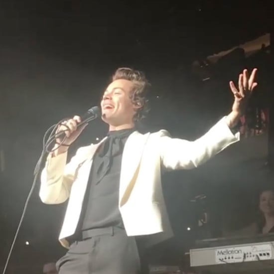 Harry Styles Announces Mom's Pregnancy at Concert