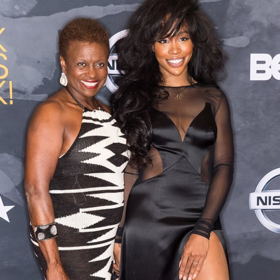 SZA Shares Text From Her Mom