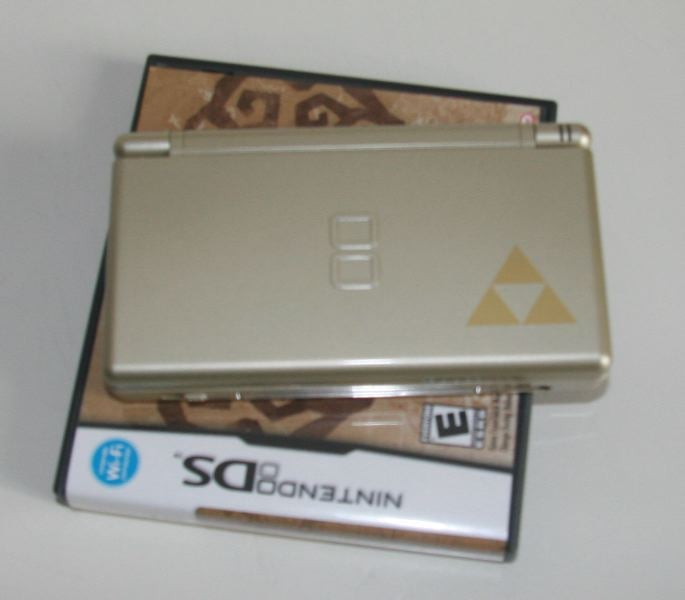 Black Friday Must Have: Gold and Pink Nintendo DS Bundles With Games