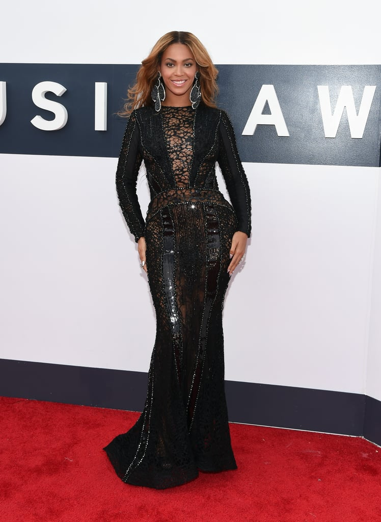 Beyoncé made a sneaky arrival to the MTV VMAs in LA on Sunday night. She didn't walk the red carpet with the rest of the stars, instead choosing to make her way into The Forum a little later. Beyoncé posed for photos and greeted fans on her way into the show, where she's being honoured with the Michael Jackson Video Vanguard Award. She's also nominated for multiple awards including best female and video of the year.