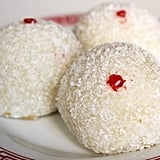 Loh Mai Chi (Coconut Balls Filled With Peanut)