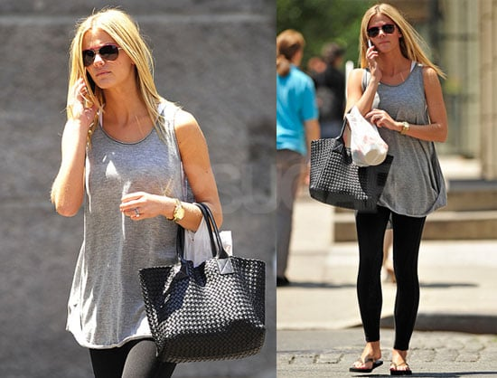 Pictures of Bikini Model Brooklyn Decker Shopping in NYC