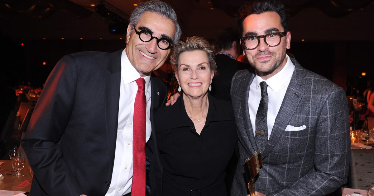 Dan Levy's Twitter Interaction With His Mom After the SAG Awards Is Sweeter Than Fruit Wine.jpg