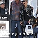 Blake Shelton and Gwen Stefani Kissing October 2016