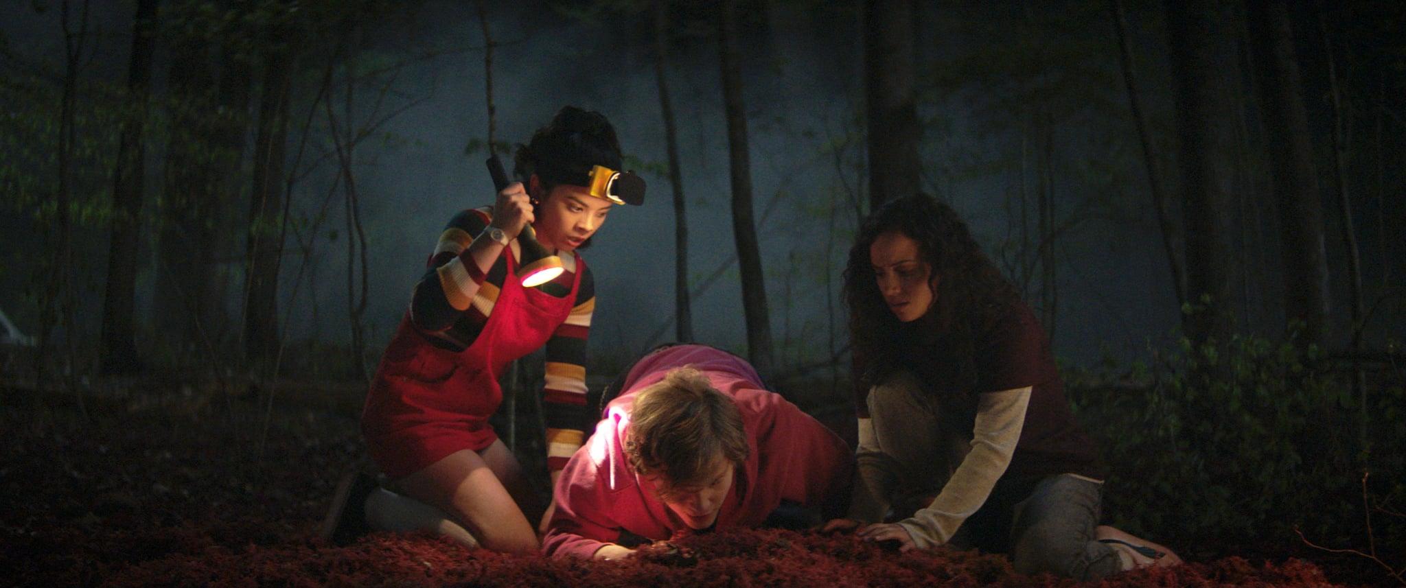 FEAR STREET PART 1: 1994 - (L-R) JULIA REHWALD as KATE, FRED HECHINGER as SIMON and KIANA MADEIRA as DEENA . Cr: Netflix © 2021