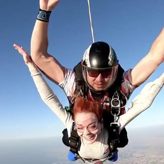 ليندسي لوهان تقفز مع سكاي دايف دبي