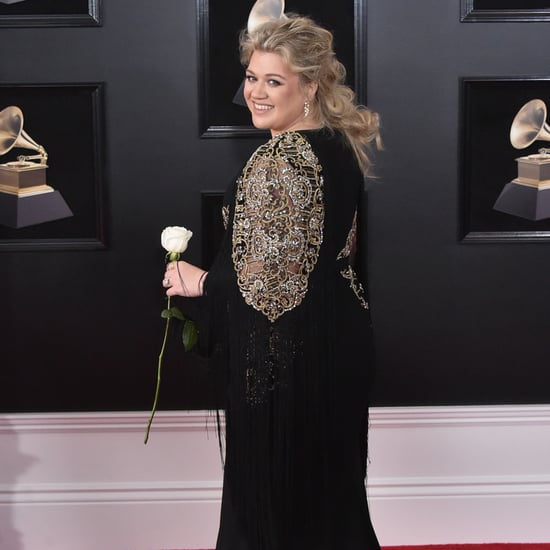 Kelly Clarkson Meeting Khalid on Grammys 2018 Red Carpet