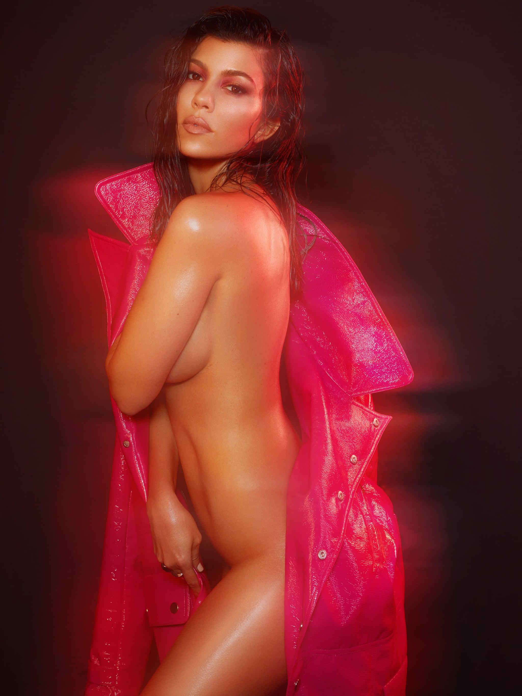 Naked kourtney kardashian Kourtney Kardashian