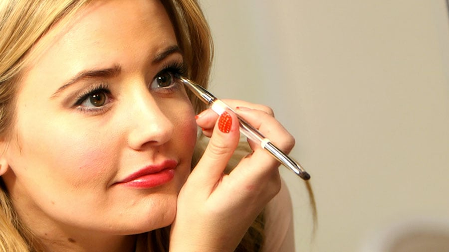 The Eyeliner Trick to Make Your Lashes Look Longer