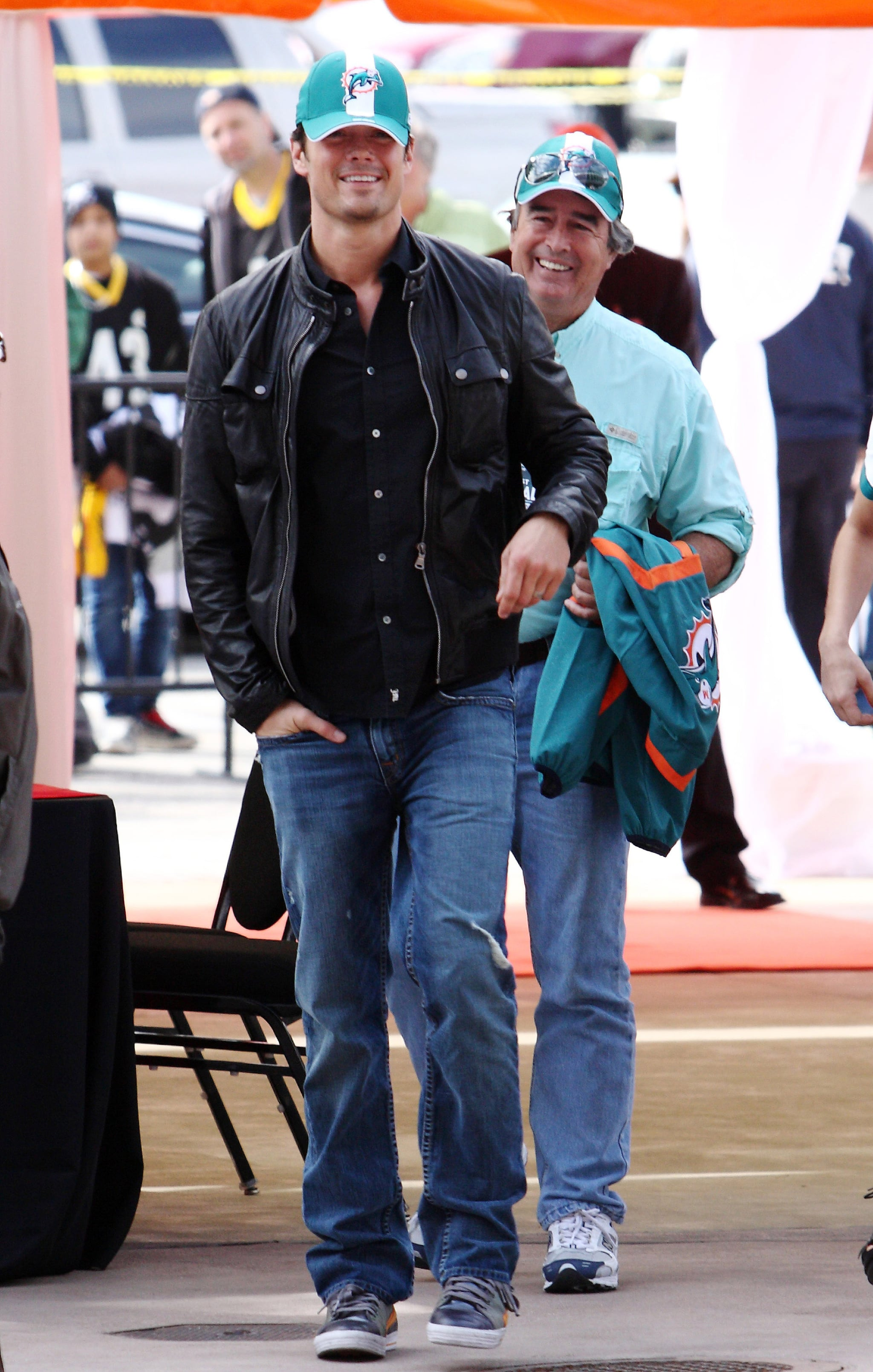 Josh Duhamel made his way into the Miami Dolphins in January 2010.