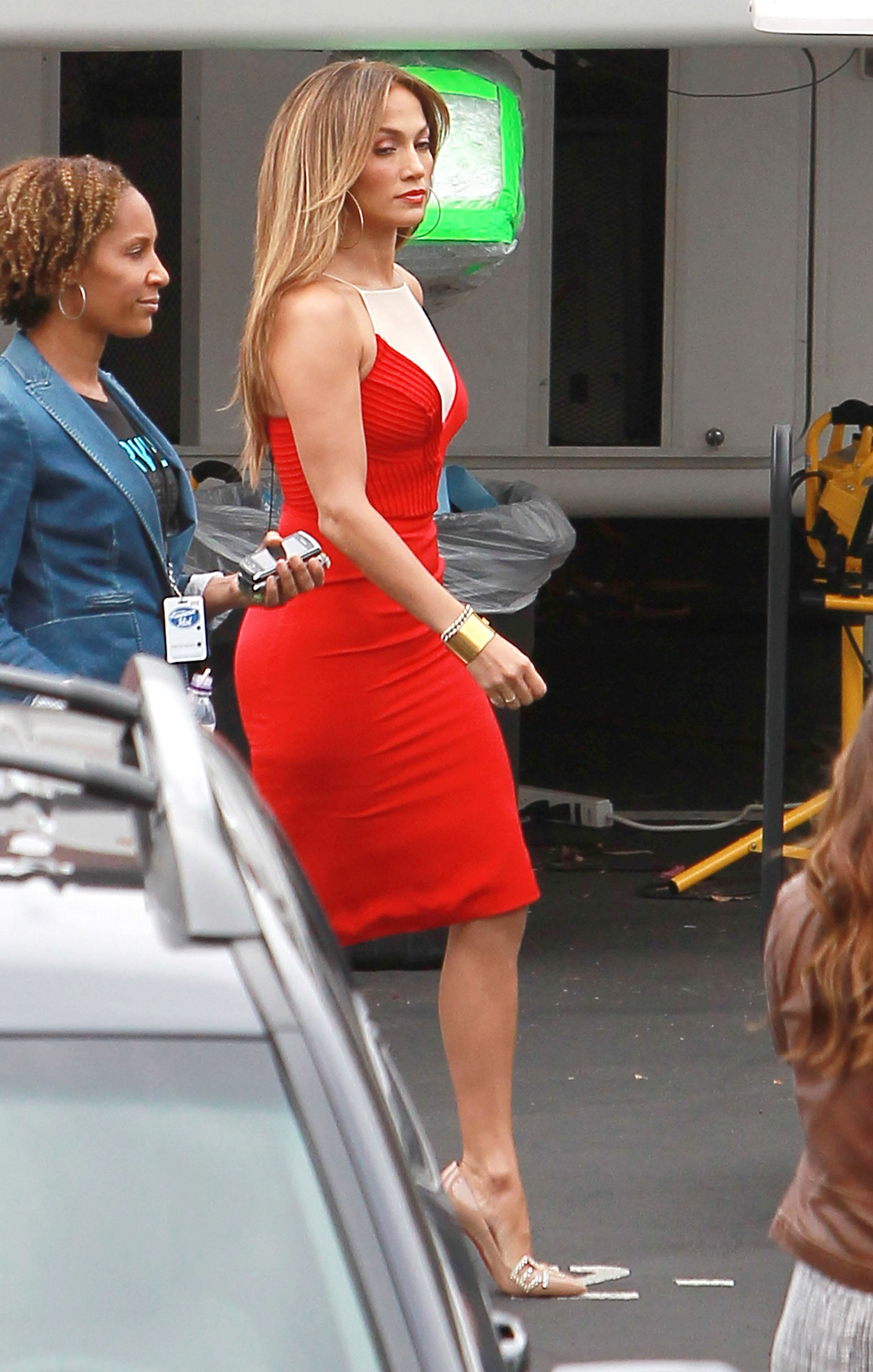 American Idol Nude Photos jennifer lopez paired her red dress with a nude color shoe