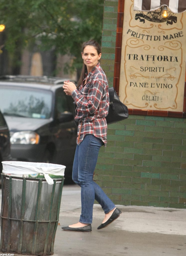 Katie Holmes was casual yesterday for a walk in NYC following a meeting at the Bowery Hotel. She hung out solo while her daughter, Suri Cruise, was off at school. Katie has been keeping busy, though, prepping for her return to the stage in the Big Apple. Katie will start in Dead Accounts, the story of a dysfunctional Cincinnati family, which opens on Nov. 3 for a 16-week run. Katie and Suri have established their routine together in the wake of Katie's split from Tom Cruise. Katie and Suri are all about their weekend fun time now, and spent the last one jetting between playdates, dance lessons, and Starbucks runs.