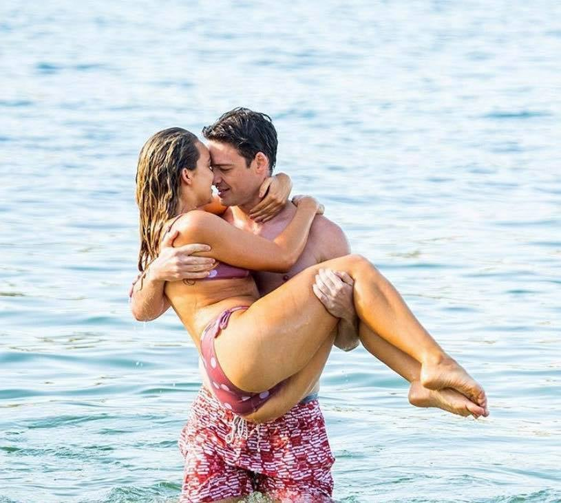 All the Top Quality Tweets From Tonight's Penultimate Episode of The Bachelor